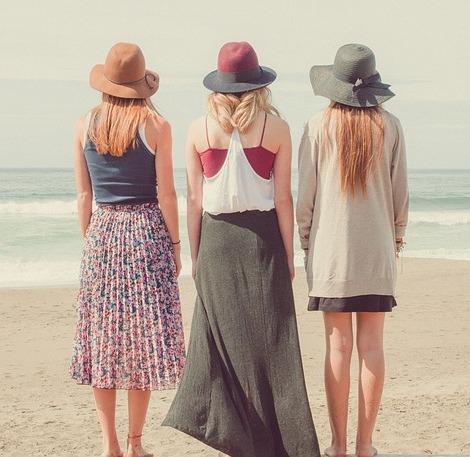 beach-women-470-457